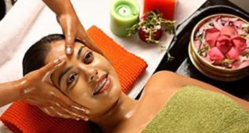 benefici massaggio kerala