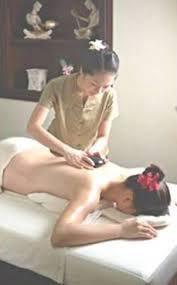 tecnica massaggio thailandese pietre calde